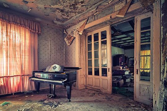 008-abandoned-buildings-matthias-haker