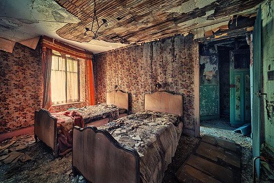 014-abandoned-buildings-matthias-haker