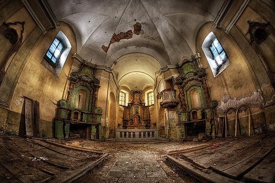 022-abandoned-buildings-matthias-haker