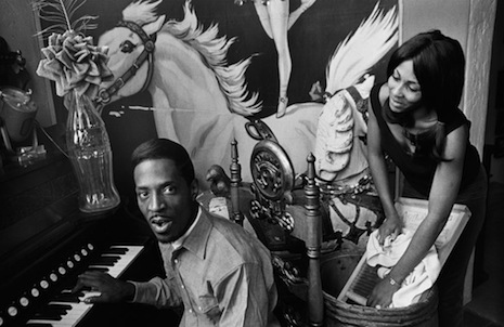 Ike_and_Tina_Turner,_1965_2093482